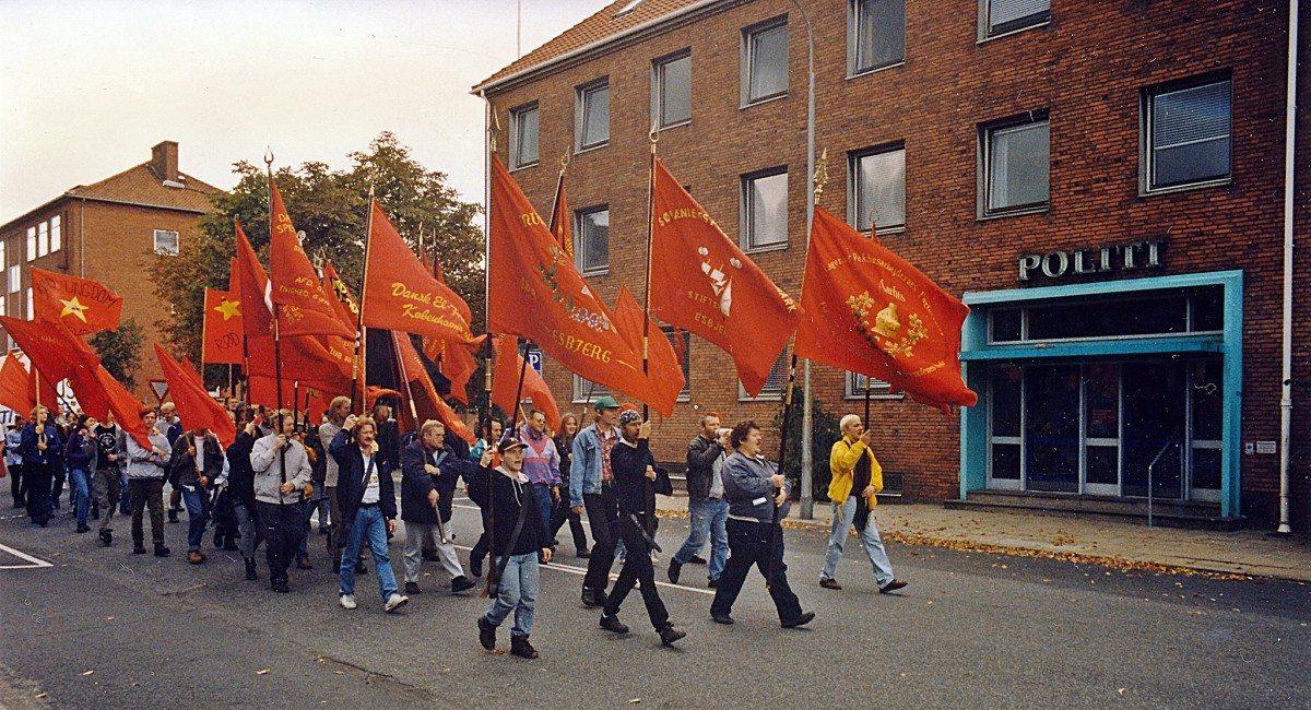 Ri-Bus kampen, se 10. februar nedenfor. Unge og ældre fra hele landet valfartede til Esbjerg for at deltage i de mange faglige støttedemonstrationer for de kommunale chauffører i kampen mod udliciteringen. Foto: Per Benny Paulsen.