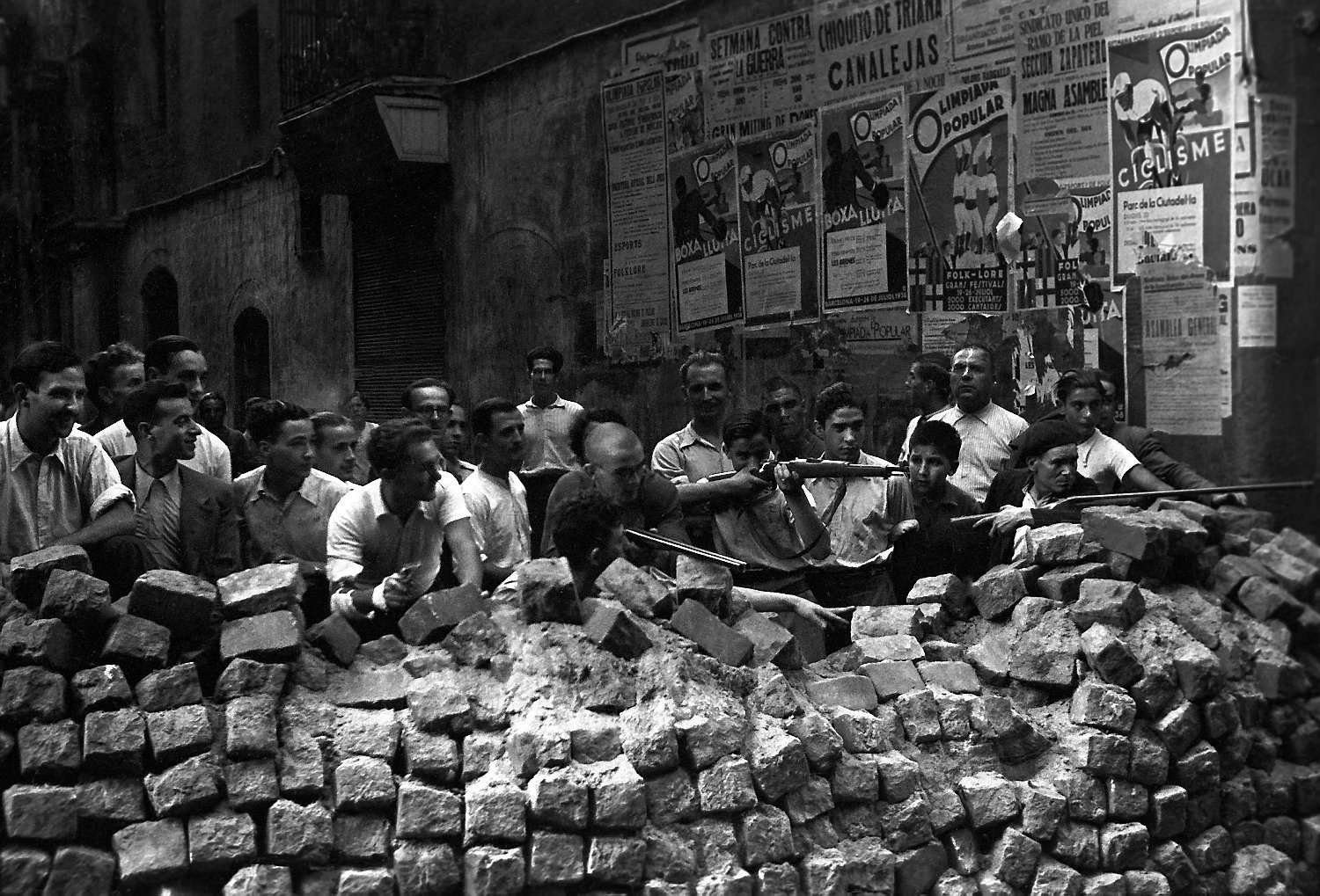 Barcelona July 19, 1936. Barricade after the nationalist uprising in Spain. Photo: Unknown. Public Domain.