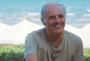 The playwright and actor Dario Fo at the Venice Film Festival, 1985. Photo: Gorupdebesanez. (CC BY-SA 3.0).