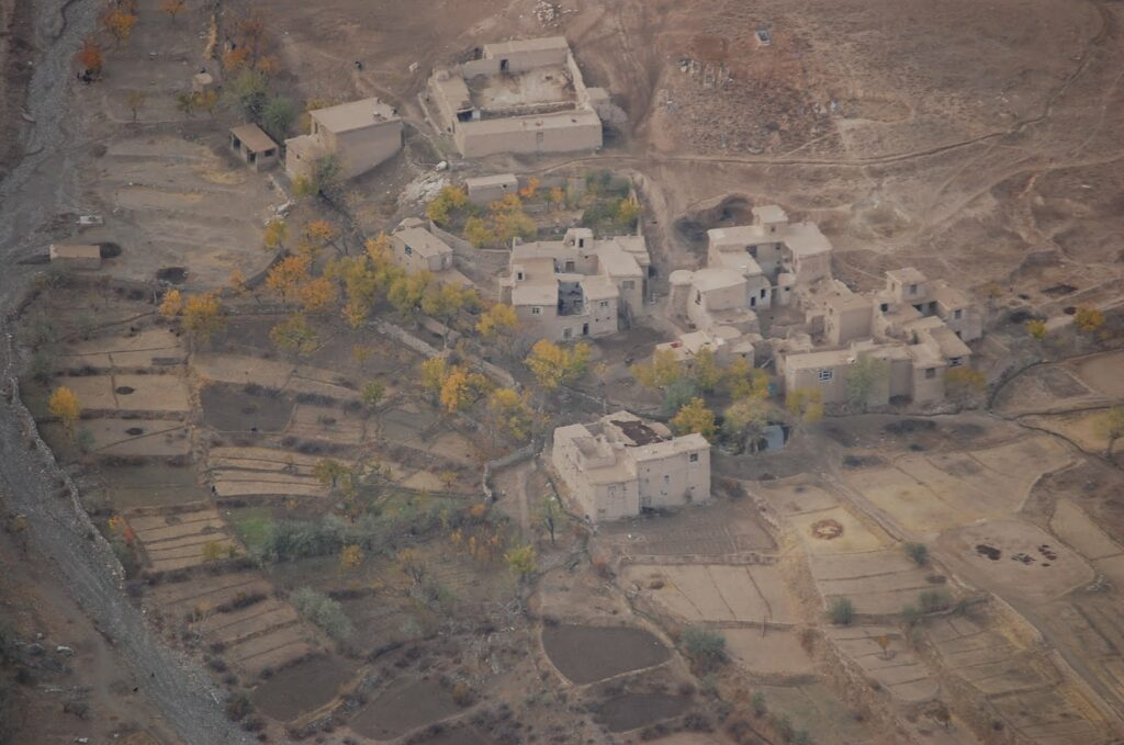 Rural Afghan village taken from helicopter in winter by Duane Wilkins. Photo: Taken on 8 November 2009. (CC BY-SA 4.0).