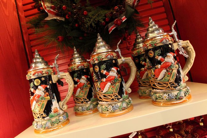 Christmas steins at Die Weihnachts Ecke (The Christmas Corner) in Germany Pavilion at EPCOT Center. Photo: Sam Howzit. (CC BY 2.0).