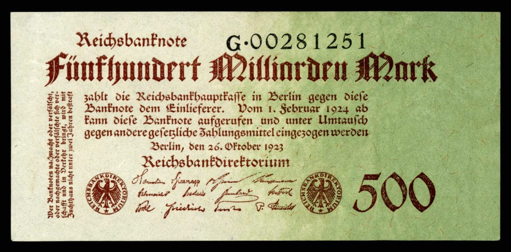German Papiermark of the Weimar Republic, post World War I hyperinflation era (1921–24). Author: Godot13. Reichsbankdirektorium Berlin. Credit: The National Numismatic Collection, National Museum of American History. (CC BY-SA 4.0).