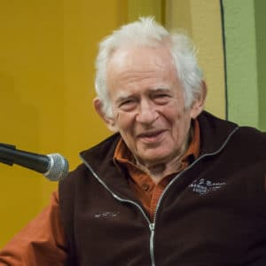 Norman Mailer speaks in Provincetown, MA, during the annual Norman Mailer Society Conference, October 2006. Photo: Grlucas. (CC BY-SA 4.0).