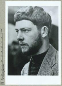 Gustaf Munch-Petersen. Ca. 1930-1938. Photo: Julie Laurberg & Gads Eftf. (CC BY-NC-ND 4.0). Samling: Det Kongelige Biblioteks Billedsamling.
