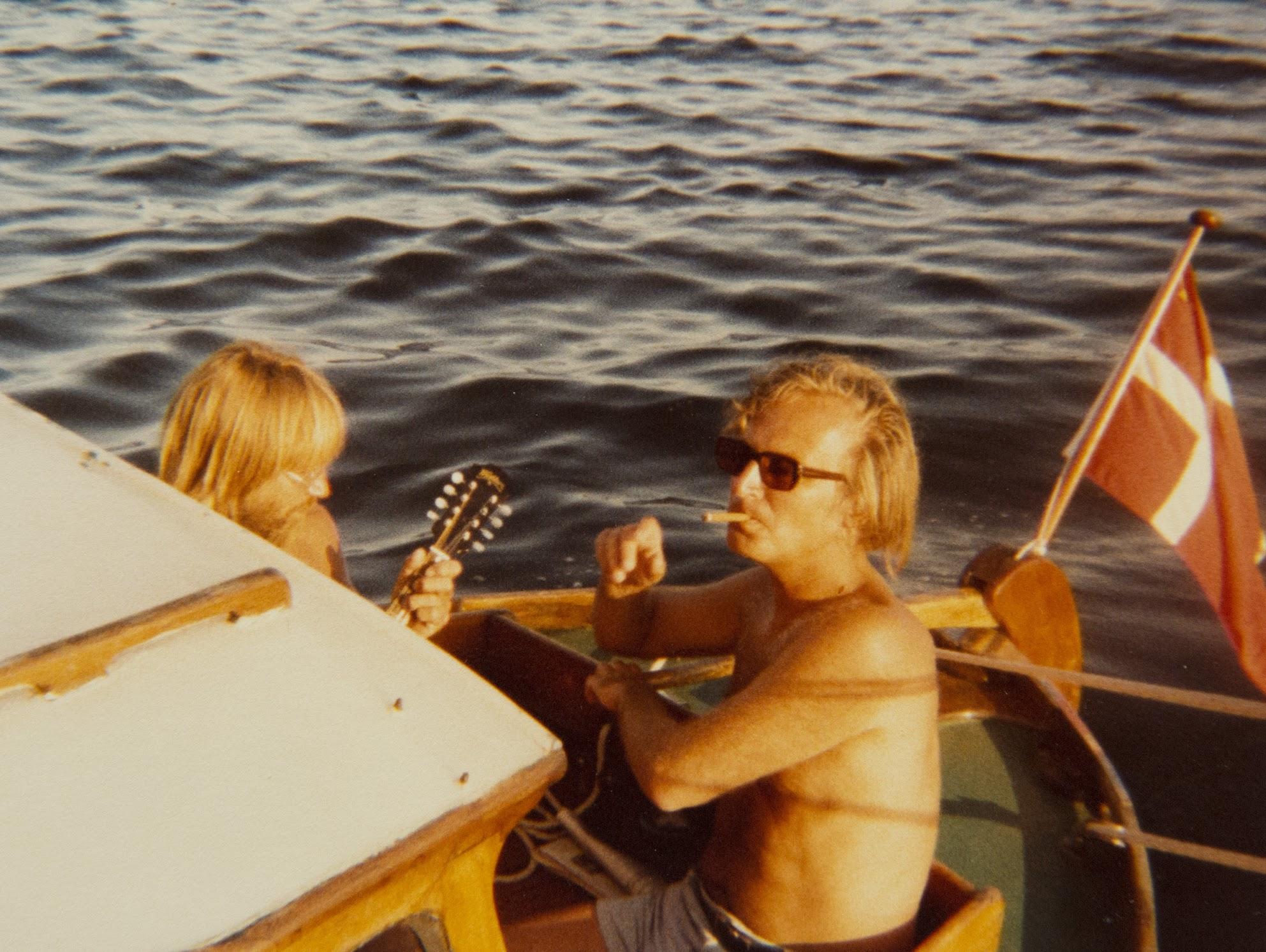 Curt Sørensen og Helge på båden Bjørn. Privatfoto.