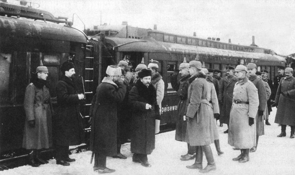 Treaty of Brest-Litovsk, January 1918. Caption: Officers from the staff of Field Marshall von Hindenburg meet the delegation of Soviet Russia, January 7, 1918. Photo: Unknown. Public Domain.