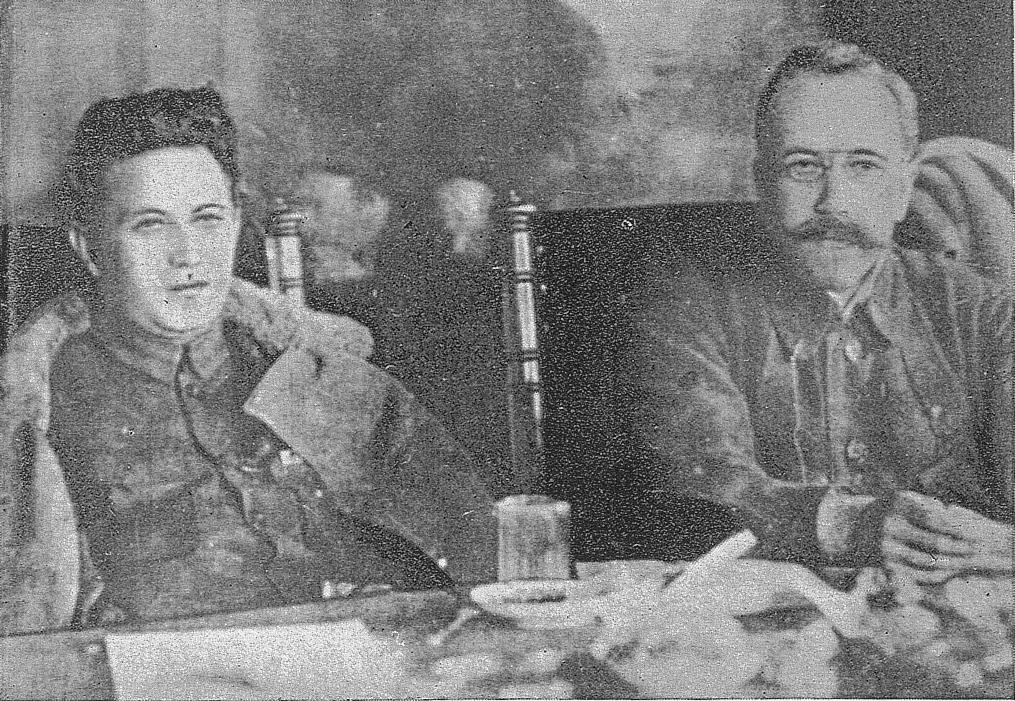 Grigory Zinoviev(left) and Lev Kamenev(right). Photo: Sekai no Senritsu: Sekka no Inboh, Tokyo Nichinichi Shimbun&Osaka Mainichi Shimbun, 1936. Public Domain.