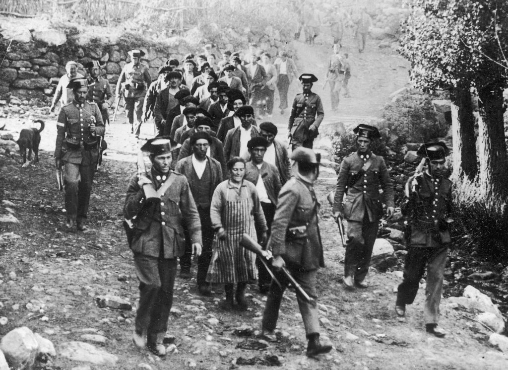 Column of Guardias Civiles during the 1934 Asturian Revolution, Brañosera, 8 October 1934. Photo: Concern Illustrated Daily Courier - Illustration Archive. Public Domain.