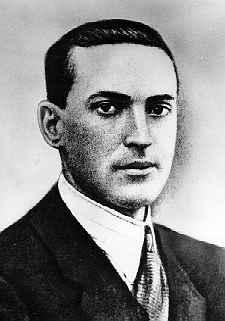 Lev Vygotsky (1896-1934). Photo before 1934, The Vigotsky Project. (CC BY-SA 3.0).
