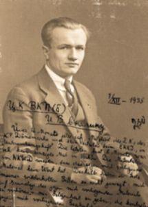 Arne Munch-Petersens brev til Stalin på foto af sig selv.