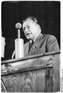 Palmiro Togliatti, Generalsekretær for PCI, taler i Berlin på SED-kongres, 23. juli 1950. Foto: Bundesarchiv, Bild 183-S99208 / Quaschinsky, Hans-Günter / CC-BY-SA 3.0.