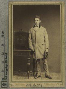 Gerson Trier, ca. 1869. Foto: Christian Rasmus Neuhaus (1833-1907), fotograf. Public Domain.