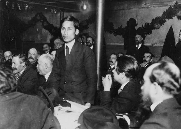 Nguyen-Ai-Quoc (the later known as Ho Chi Minh) speaking at the foundational congress of the French Communist Party in December 1920. Photo: Michael Goebel. (CC BY 2.0).