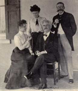 """""""Helen Keller, Miss Sullivan, Mark Twain and Laurence Hutton"""", no later than 1905. Photo: Unknown. Public Domain."""
