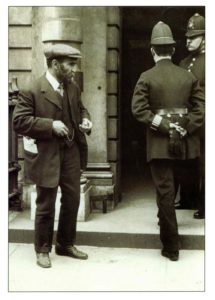 Malatesta outside Bow Street Police Court, London, 1912. Photo: Unknown. Public Domain.