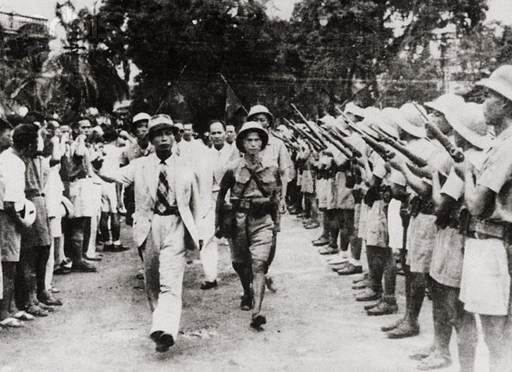1952, Vietnam: Eastphoto shows in 1952 Commander-in-chief Vo Nguyen Giap of North Vietnam reviews People's Army. Image by © Bettmann/CORBIS (CC BY 2.0)