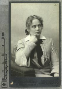 Marie Bregendahl. Foto: K. Rasmussen / Det Kgl. Biblioteks billedsamling. (CC BY-NC-ND 3.0).