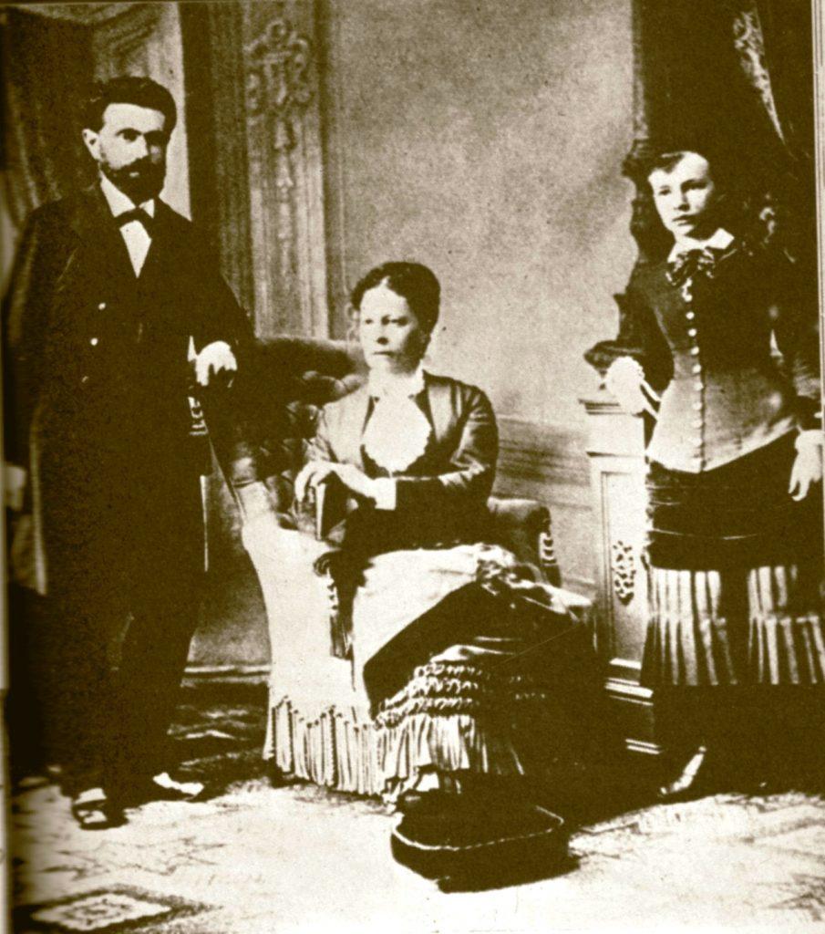 Familie von August Bebel, 1870/80er Jahre. Photo: unbekannt. Public Domain.