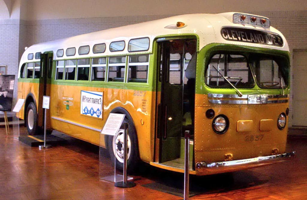 The bus on which Rosa Parks refused to give up her seat sparking the Montgomery Bus Boycott, a U.S. civil rights landmark. Photo: by rmhermen (uploaded 18 April 2005). (CC BY-SA 3.0).