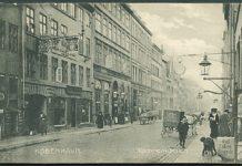 Tømrerkroen i Adelgade 27, som den så ud i ca. 1910. Huset er senere nedrevet. Postkort nr. 8999 udgivet af Stenders Forlag.