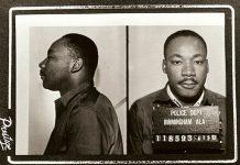 Mugshot of Martin Luther King Jr following his 1963 arrest in Birmingham. Date: April 1963. Original publication: circulated to news media in April 1963. Author: Birmingham AL police dept, Public Domain. Source: Wikimedia Commons Se 15 januar 1929 nedenfor.