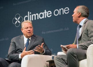 Former U.S. Vice President Al Gore sits down with Climate One's Greg Dalton to talk climate change, 24 July 2017. Photo: Caseyjon. (CC BY-SA 4.0).