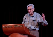 Howard Zinn speaking. Taken on May 2, 2009 by Jim. (CC BY-SA 2.0).