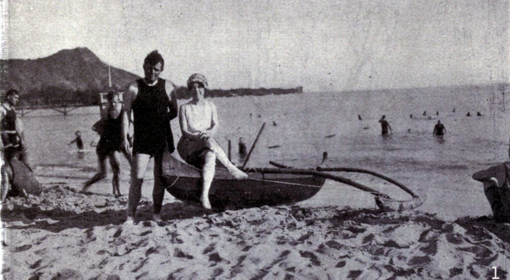 Jack London and his wife Charmian London at Waikiki, 1915. Photo: Unknown. Public Domain.