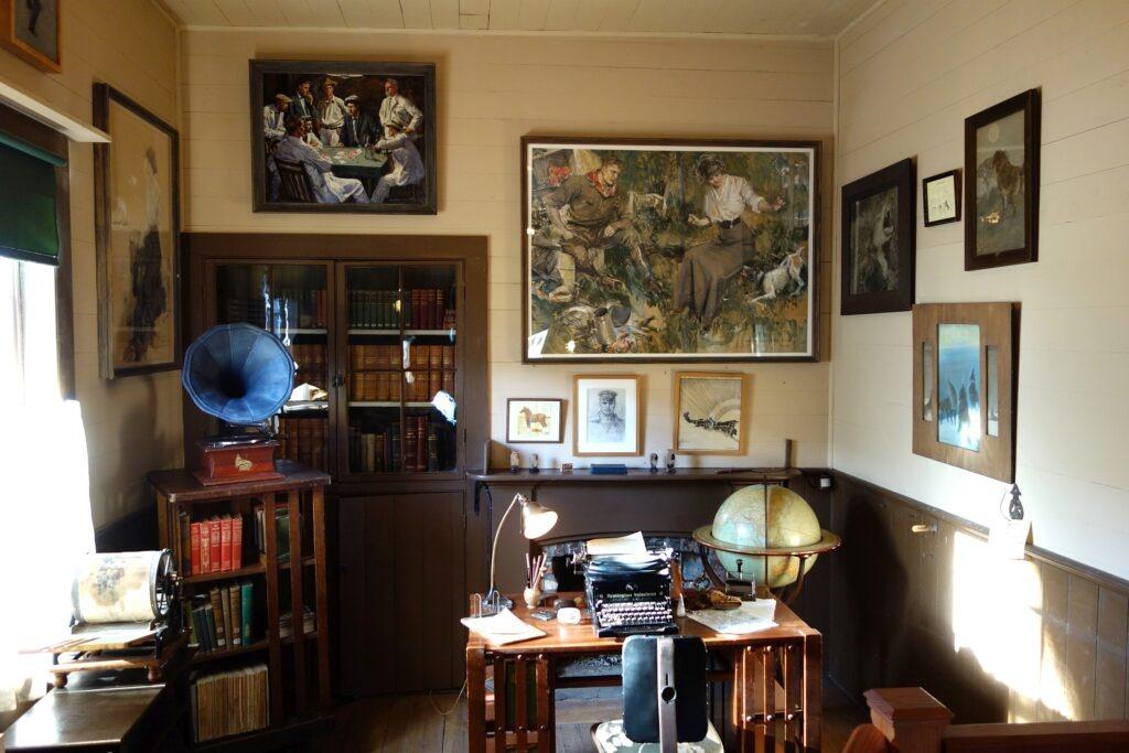 Jack London's study in his cottage. Jack London State Historic Park, 2400 London Ranch Road, Glen Ellen, California, USA. Photo: Taken 13 November 2013 by Daderot. Public Domain.