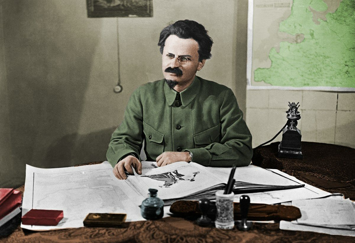 Colorized photograph of Leon trotsky, 1925. Photo: unknown. Public Domain.