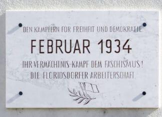 Memorial plate at residential building Schlinger-Hof in Vienna 21. Photo: Taken 30 September 2011 by Peter Gugerell. Public Domain.
