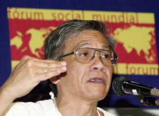 Walden Bello, Focus The Global South Thailand, participates in Seminar on FTAA and WTO, in the III World Social Forum, 25 January 2003. Photo: Author Marcello Casal Jr. / Agência Brasil. (CC BY 3.0 BR).