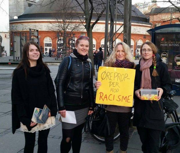 (Foto: Højtråbende antiracister konfronterede Pegida i København (Modkraft.dk)