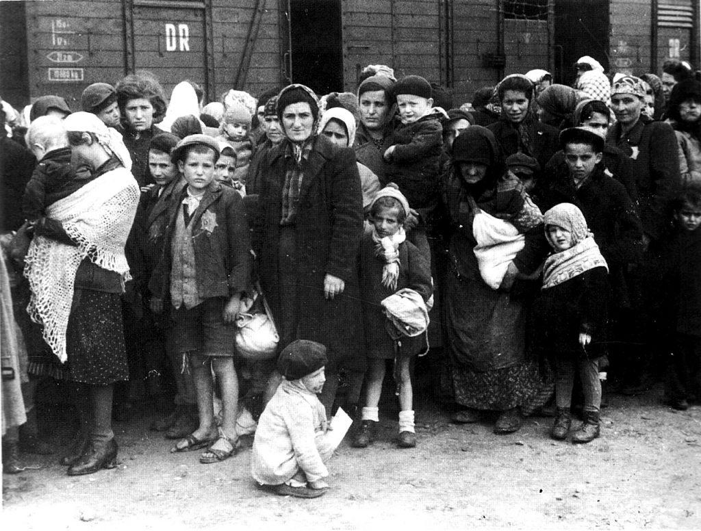 German Nazi death camp Auschwitz in Poland, arrival of Hungarian Jews, May 1944. The image is part of the Auschwitz Album Photo: Ernst Hofmann oder Bernhard Walter German Federal Archives. Allgemeiner Deutscher Nachrichtendienst - Zentralbild (Bild 183). (CC BY-SA 3.0 DE). Source: Wikimedia Commons