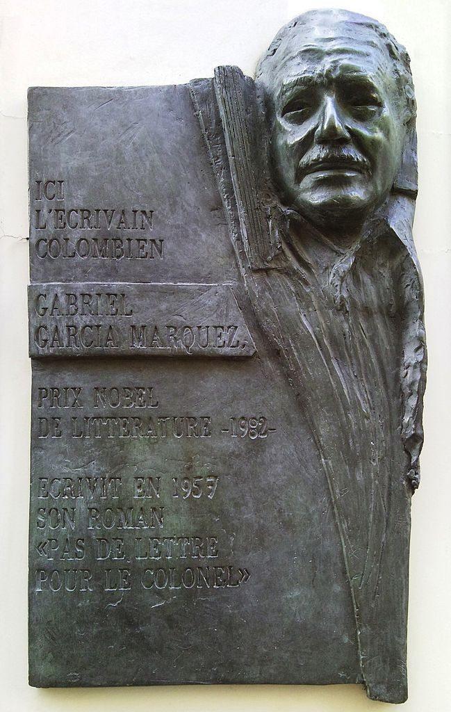 Gabriel García Márquez plaque – Rue Cujas, Paris 5. Foto: Taken 18 February 2010 by Patrik Tschudin. (CC BY 2.0).