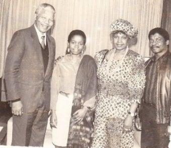 The Mozambican sculptor Alberto Chissano (right) with Nelson and Winnie Mandela and Chissano's daughter Cidalia in Museu Galeria Chissano, Matola, Mozambique. 1990 Source: Museu Galeria Chissano. Public Domain. Source: Wikimedia Commons