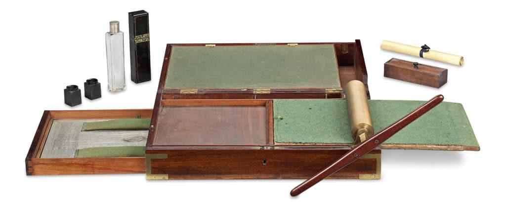 James Watt also invented a Portable Copying Machine by James Watt & Co. Circa 1795. Photo: Rau Antiques on 9 August 2017. (CC BY-SA 4.0).